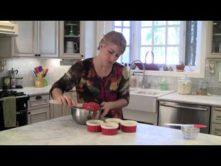 Miranda's Gluten-Free, Grain-Free, Sugar-Free Peach Blackberry Cobbler – Video Recipe