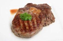 Cheeseburger Chowder Soup with Tenderloin Steak